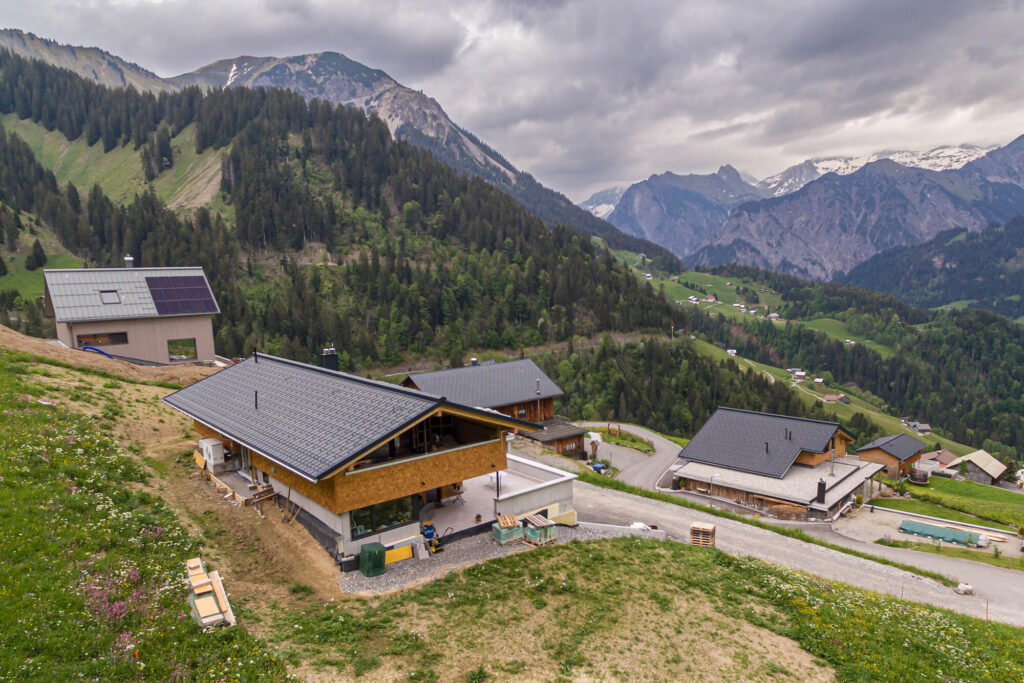 Spenglerei Burtscher Vorarlberg, Spenglerarbeiten, Dachspengler, Dacheindeckung, Dachsanierung, PREFA Dach Vorarlberg
