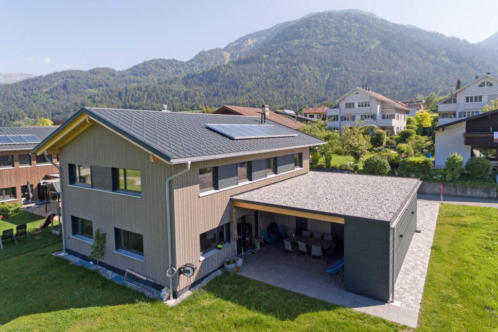 Spenglerei Burtscher Vorarlberg, Dachspengler, Dacheindeckung, Fassade, Spenglerarbeiten, Dachsanierung, Prefa Dach Vorarlberg