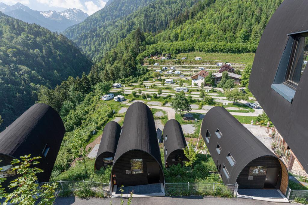Spenglerei Burtscher Vorarlberg, Dachspengler, Dacheindeckung, Spenglerarbeiten, Dachsanierung, Alpencamping Nenzing