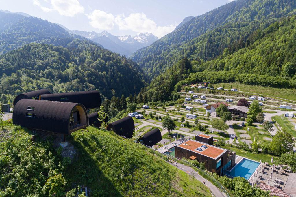 Spenglerei Burtscher Vorarlberg, Dachspengler, Dacheindeckung, Spenglerarbeiten, Dachsanierung, Alpencamping Nenzing, Flachdach